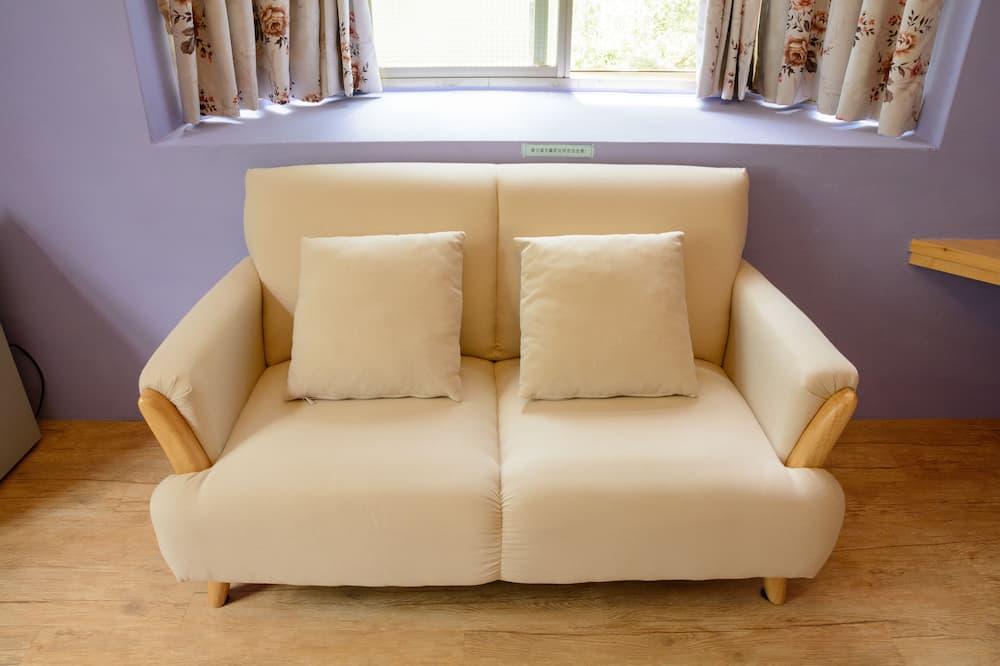 Romantiško stiliaus dvivietis kambarys, 1 didelė dvigulė lova - Svetainės zona