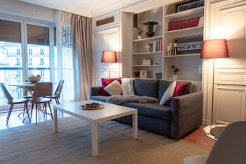 Picture of Pelicanstay at Avenue George V Paris in Paris