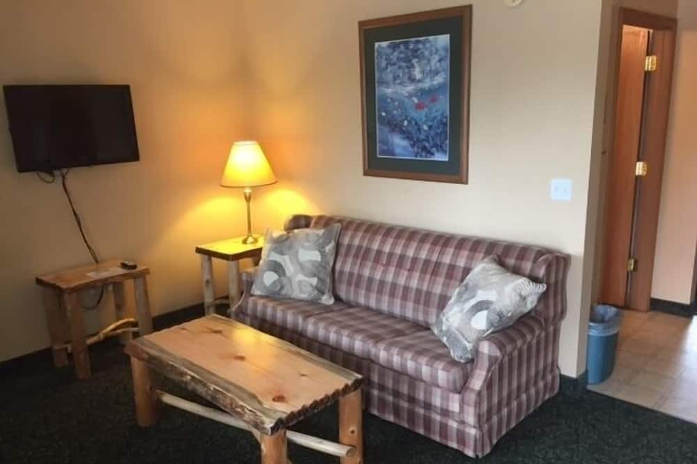 Deluxe Suite, 2 Double Beds, Kitchenette (Log Beds in Room with Sofa Sleeper) - Living Area