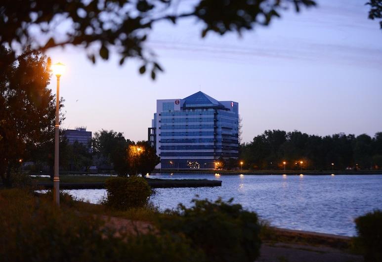 Ramada by Wyndham Constanta, Constanta, Hotel Front – Evening/Night