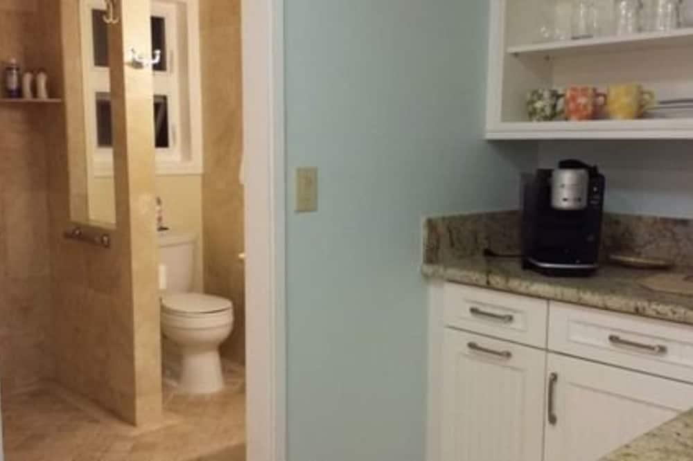 Room (Plumeria Room) - Bathroom