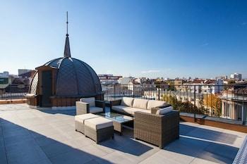 Introduce las fechas para ver los descuentos de hoteles en Sofía