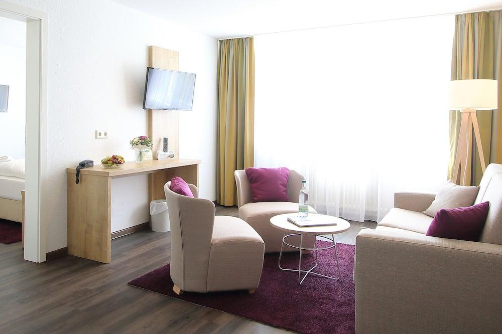 Family Room, Garden View - Living Room