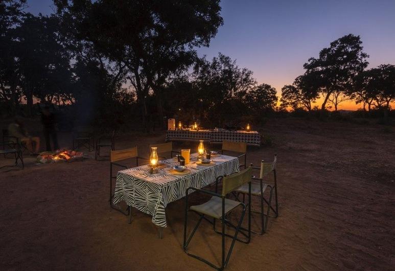 Serolo Safari Camp, Tuli Lodge, Stravovanie vonku