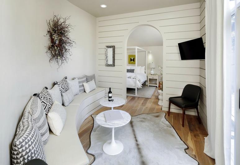 Rockhouse Suites, Healdsburg, Executive Studio Suite, 1 King Bed, Kitchenette, Ground Floor, Living Area