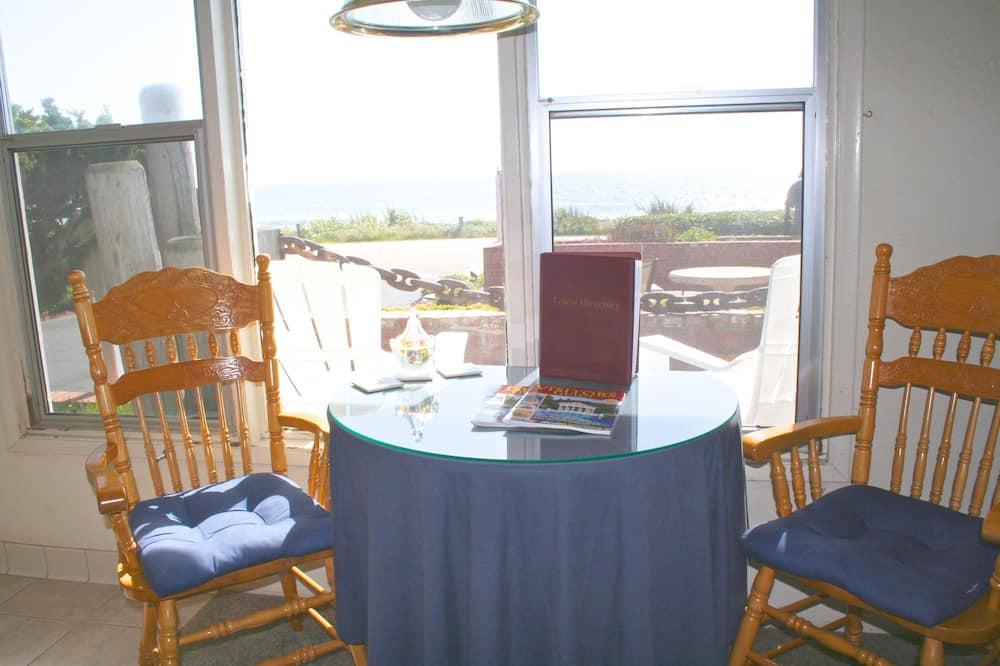 Apartmán typu Superior, 1 extra veľké dvojlôžko, výhľad na oceán - Obývacie priestory