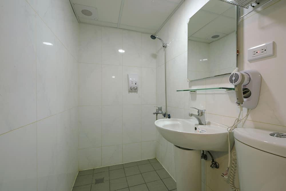 スタンダード 4 人部屋 シティビュー - バスルーム