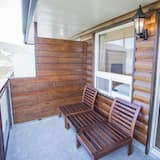 Phòng 4 phong cách cổ điển, 2 giường đôi - Ban công