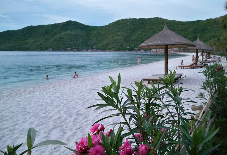 Iridescent Clouds Hotel, ญาจาง, ชายหาด