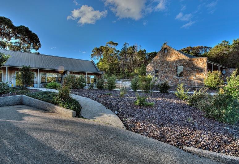 Freycinet Stone Studio 4, Coles Bay, Property Grounds