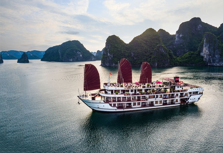 Alisa Premier Cruise, Ha Long