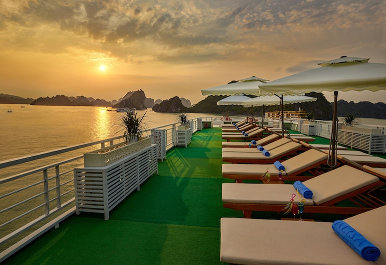 Alisa Luxury Cruise , Ha Longas, Deginimosi terasa