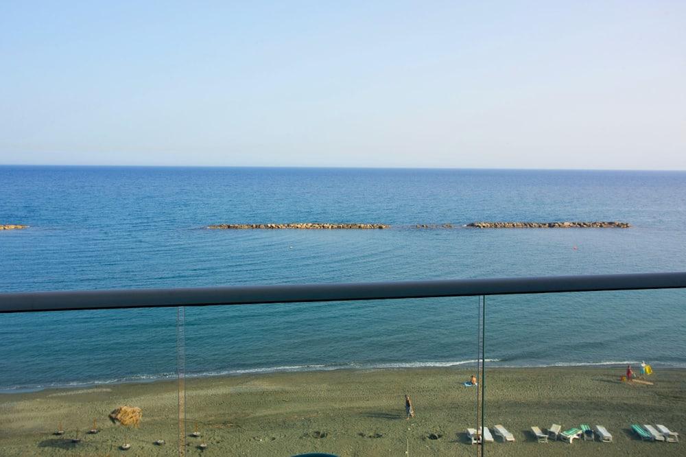 דירה דה-לוקס, 2 חדרי שינה, פונה לים - חוף ים