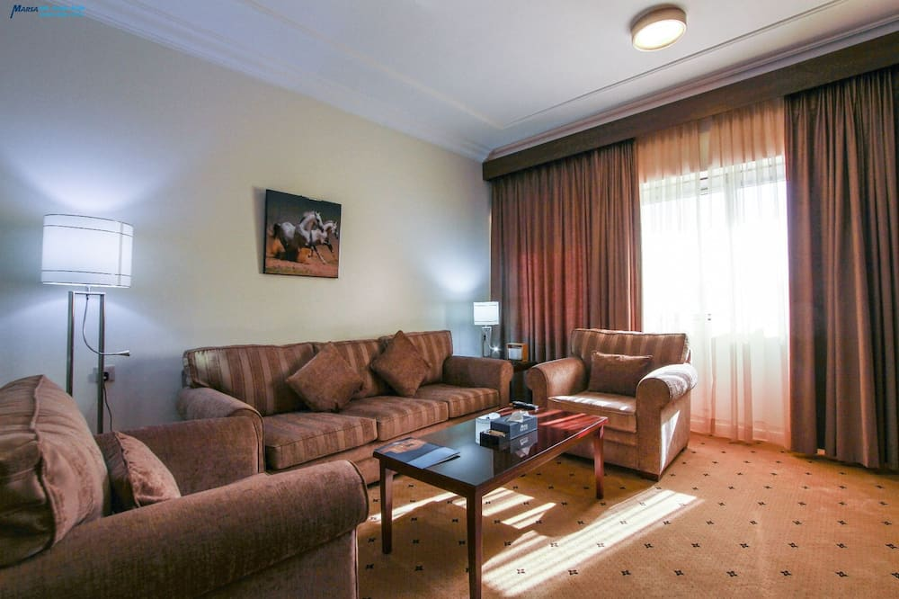 Royal Suite, City View - Living Room