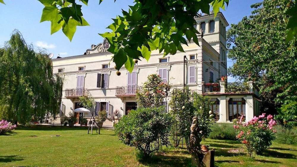 Villa Albertina, Trecasali