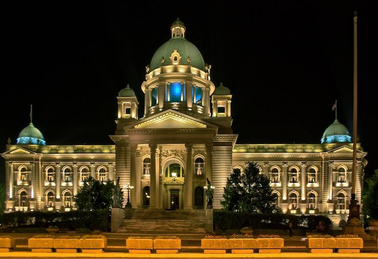 Dominic Smart & Luxury Suites Parliament, Belgrad, Otelin Önü - Akşam/Gece