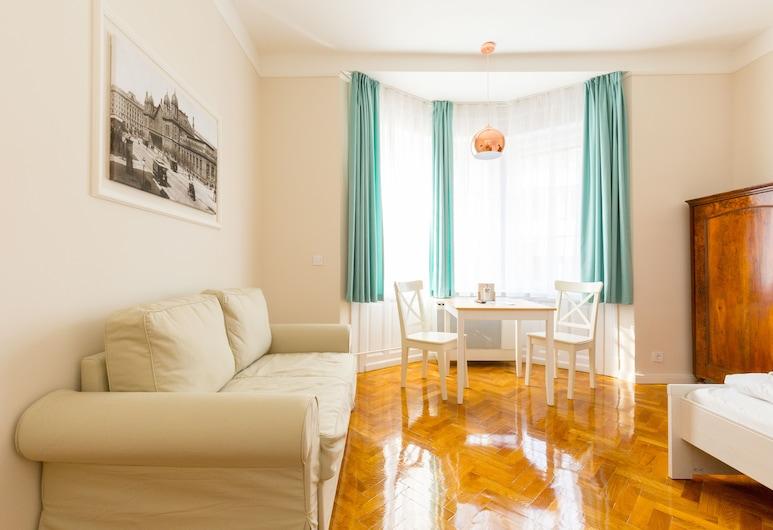 OTTO STUDIOS, Budapest, Premier Studio, 1 Queen Bed, Living Area
