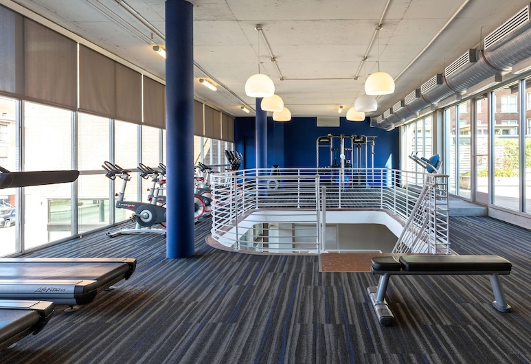 Stay Alfred at Chisca, Memphis, Gimnasio