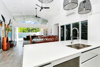 Picture of Coral Edge - Luxury Retreat in Palm Cove
