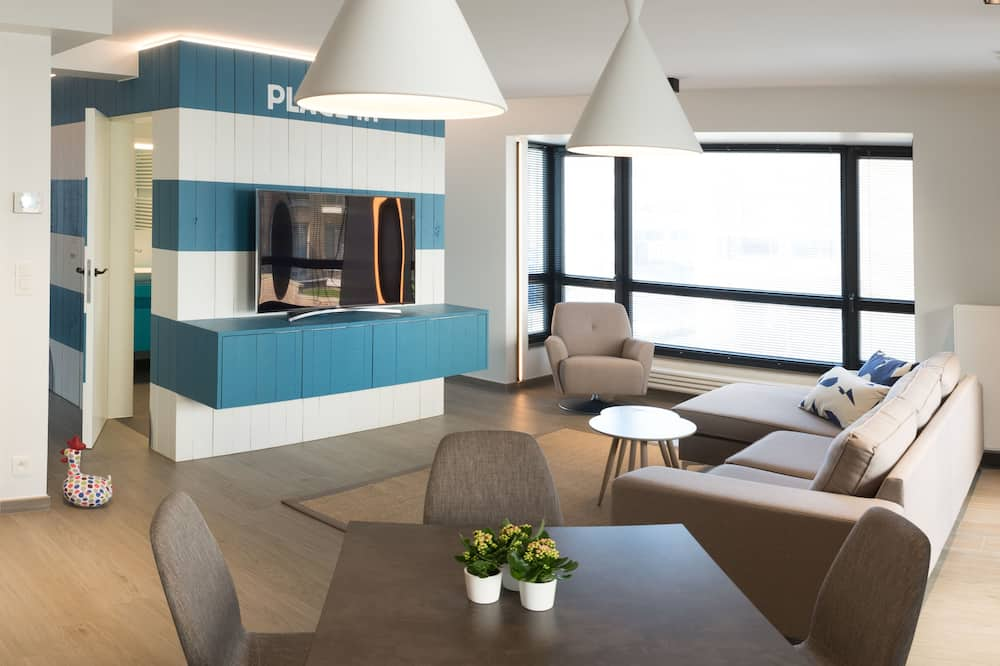 Superior Apartment, 2 Bedrooms, Annex Building - Living Area