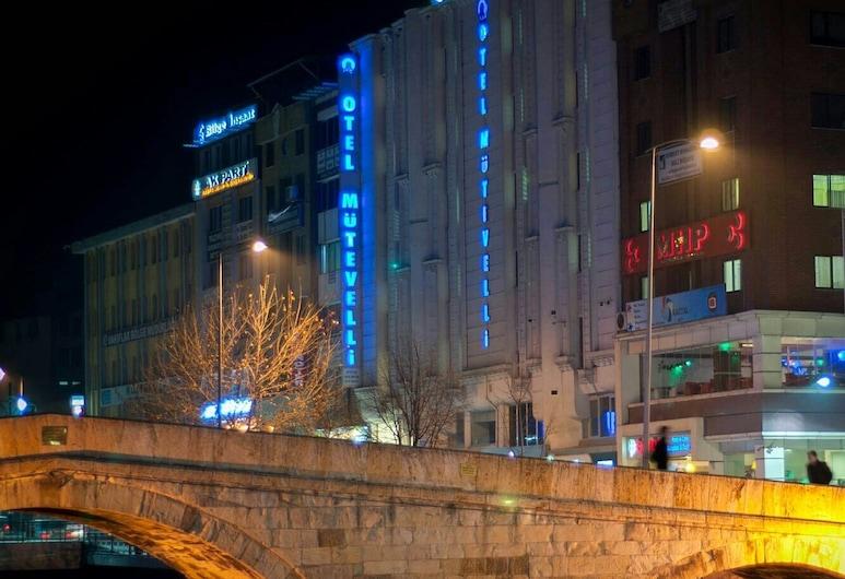Mütevelli Otel, Kastamonu, Otelin Önü - Akşam/Gece