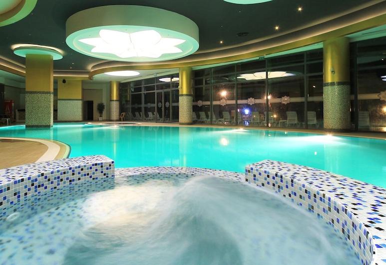 Naskon Sapphire Resort Thermal & Spa, איאס, בריכה מקורה
