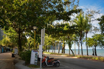 Picture of iRest Ao Nang Seafront in Krabi