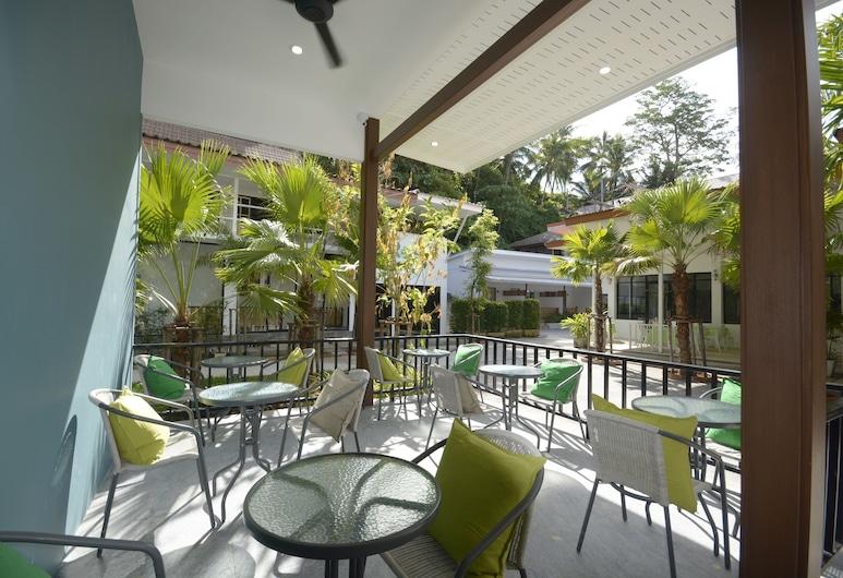 艾雷斯特奧南海濱飯店, 喀比, 露台