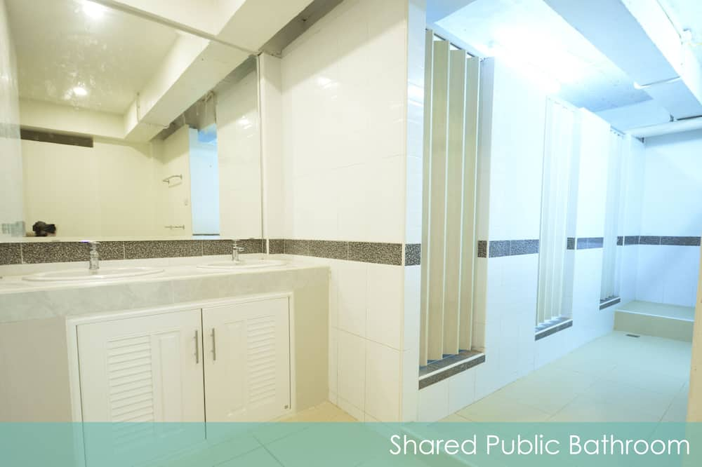 Private Room 6 Beds with Shared Bathroom - Salle de bain