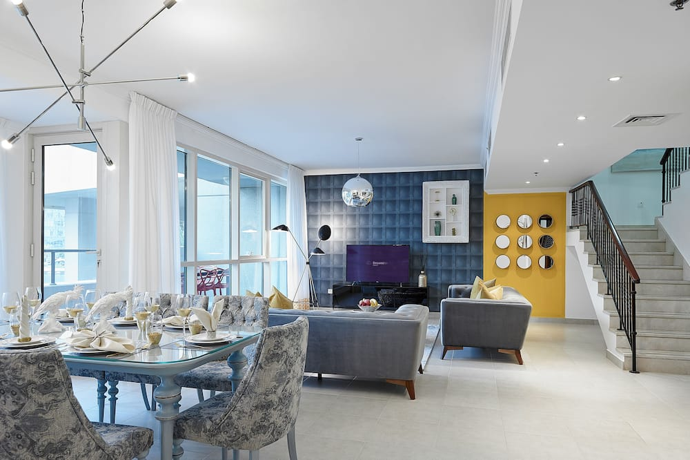 Apartment, 4 Bedrooms, Marina View - In-Room Dining