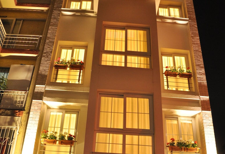 Deka Evleri, Izmir, Habitación