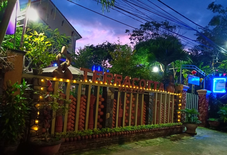 Terra Cotta Homestay and Hostel, Hoi An, Patio