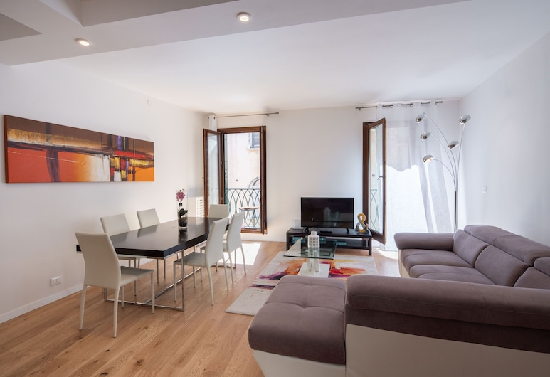 Apartments San Marco Square with Terrace, Venice, Apartment, 2 Bedrooms, Terrace (Check-in online), Living Room