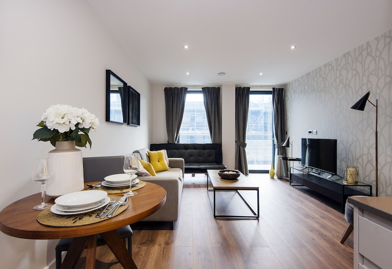 Aldgate City Apartments, London, Deluxe Apartment, 1 Bedroom, Living Area