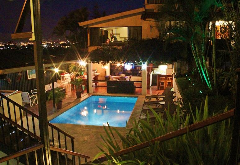瑞福來傑斯城市景觀民宿, 艾斯卡蘇, 室外泳池