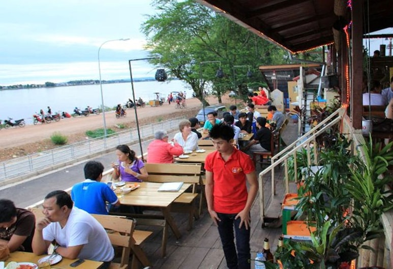 Mekong Sunshine Hotel, Viangchan, Einestamine vabas õhus