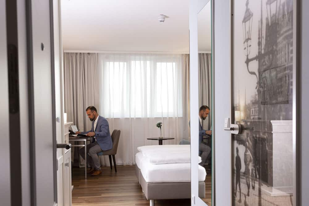 Classic Double Room, Harbor View - Guest Room