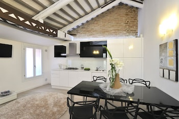 Picture of Venice Style Apartment in Venice