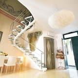 Deluxe-Apartment, 1 Schlafzimmer, Kochnische, Stadtblick (Rosso) - Zimmer