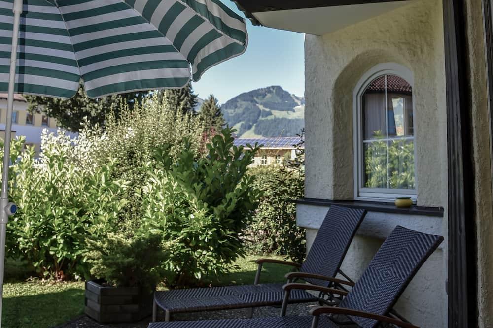 Кондо категорії «Комфорт», 1 спальня, тераса, з видом на гори (01 | landLIEBE) - Тераса/внутрішній дворик