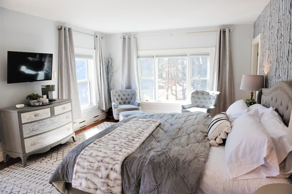 Birch Island - Guest Room