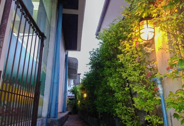 Warm Hug Home & Apartment, Bangkok, Property Grounds