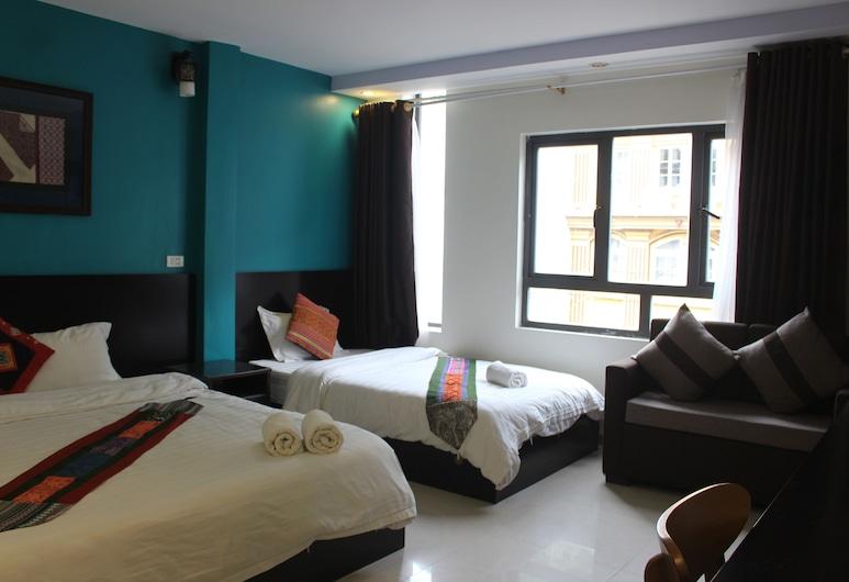 Sapa New Orient Hotel, Sa Pa, Triple Room, Living Area