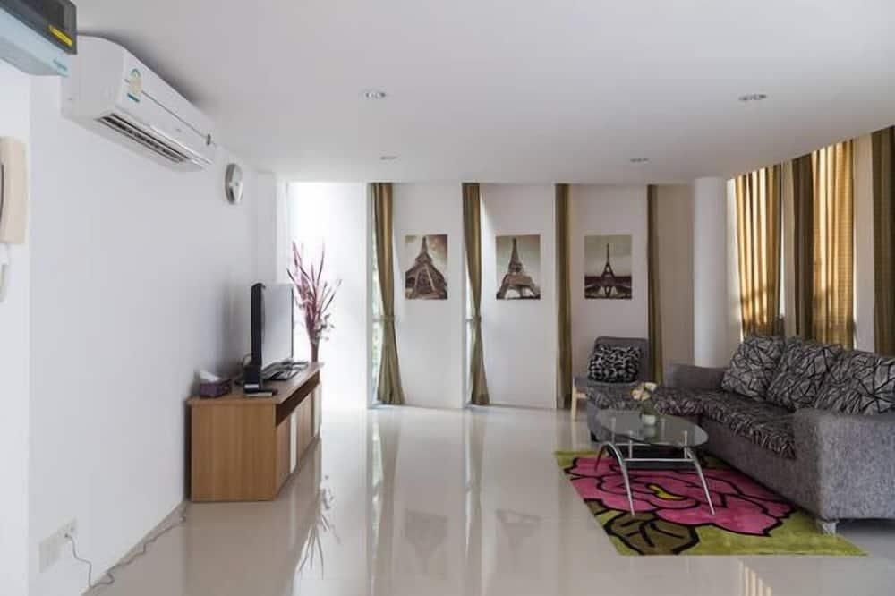 3 Bedrooms Apartment - Wohnzimmer
