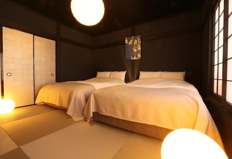 Hosta Nijo Aoi, Kyoto, Room