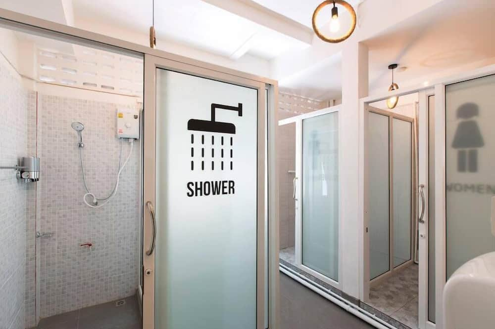 Private Room (5 Persons) - Bathroom Shower