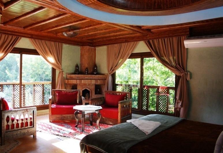 Riad Jnane Imlil, Asni, Suite de lujo, 1 habitación, chimenea, vista a la colina, Sala de estar