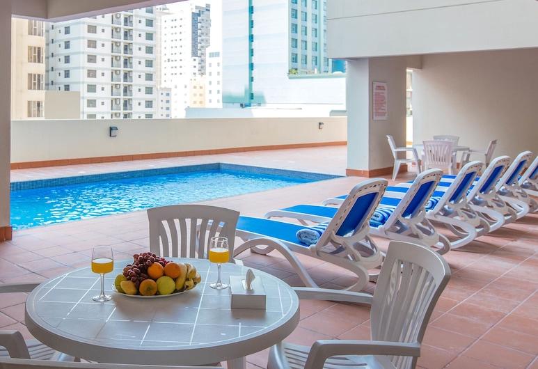 Loumage Comfort Aspire Tower, Manama, Outdoor Pool