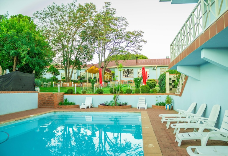 Blue Mountain Inn, Teyateyaneng, Outdoor Pool