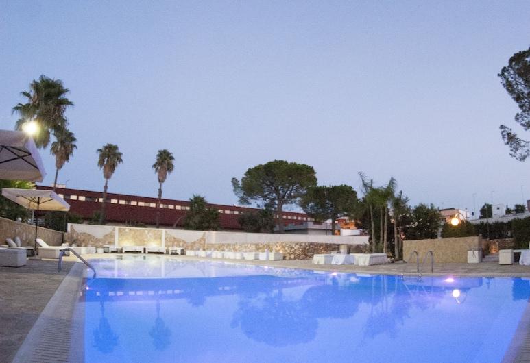 Villa Donna Lisa Wine Hotel, סליצ'ה סלנטו, בריכה חיצונית